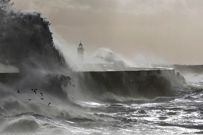 Storm Jude Newhaven Lighthouse 2