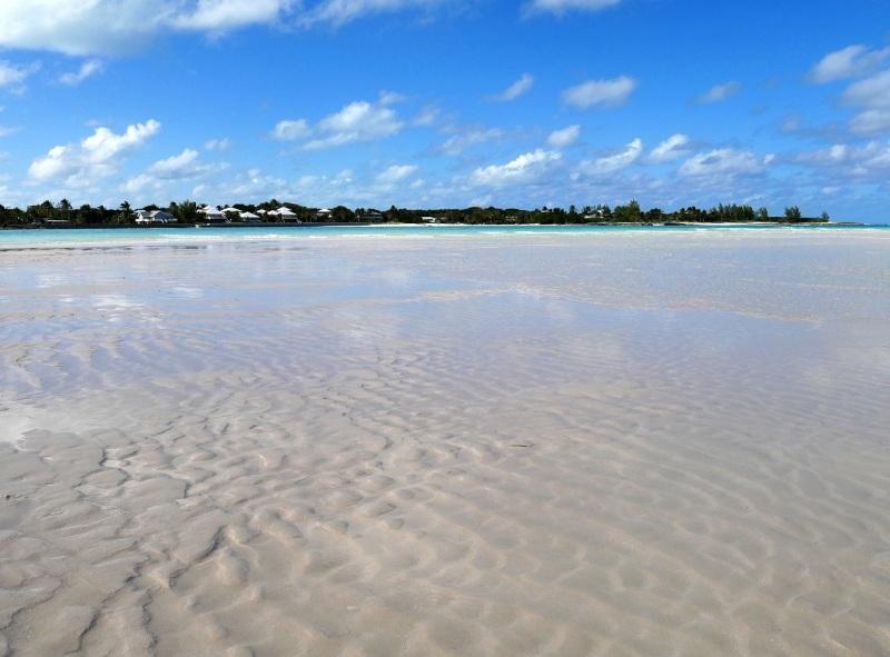 low-tide-gillam-bay-green-turtle-cay-amanda-diedrick