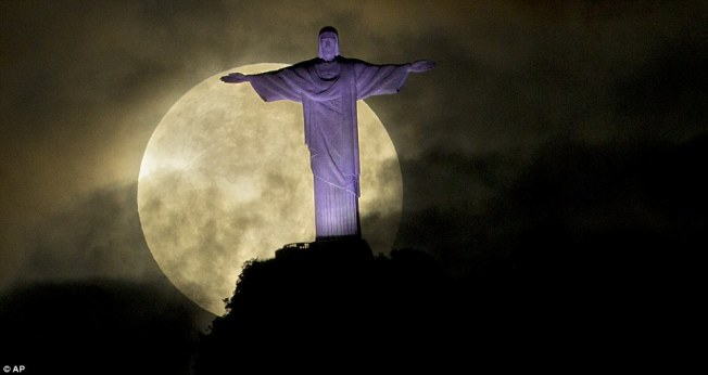 Supermoon, Rio AP / Daily Mail