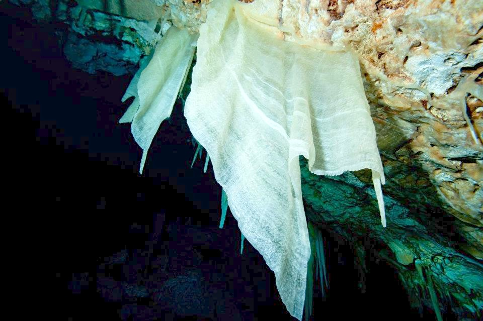 Crystal Caves of Abaco - Ralph's Cave (Brian Kakuk)