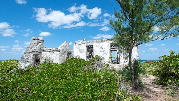 Lighthouse ruins, Little Harbour Abaco - Patrick Shyu