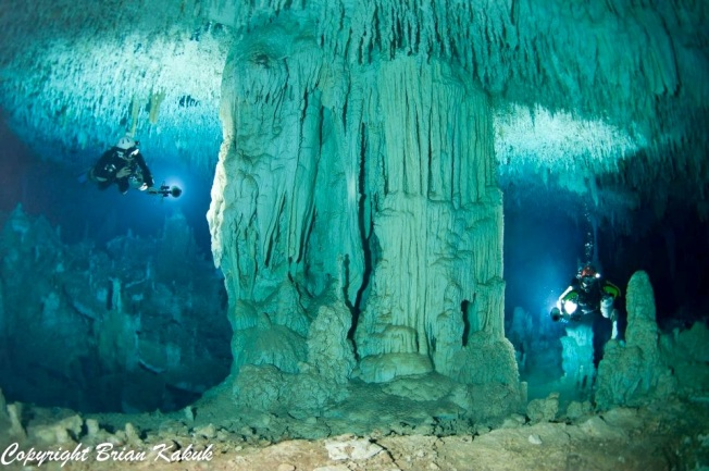Dan's Cave, Abaco (©Brian Kakuk)