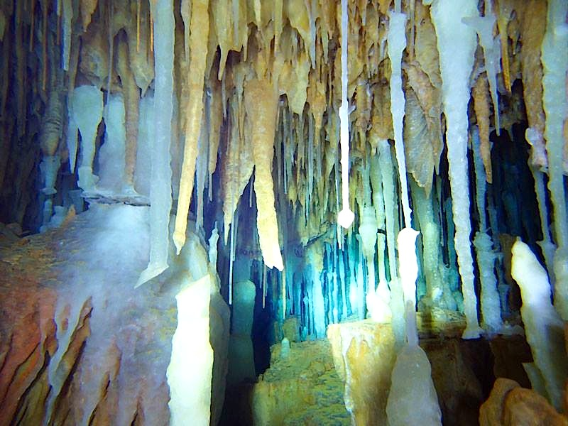 Abaco's Underground Caves (Hitoshi Miho, with Brian Kakuk)