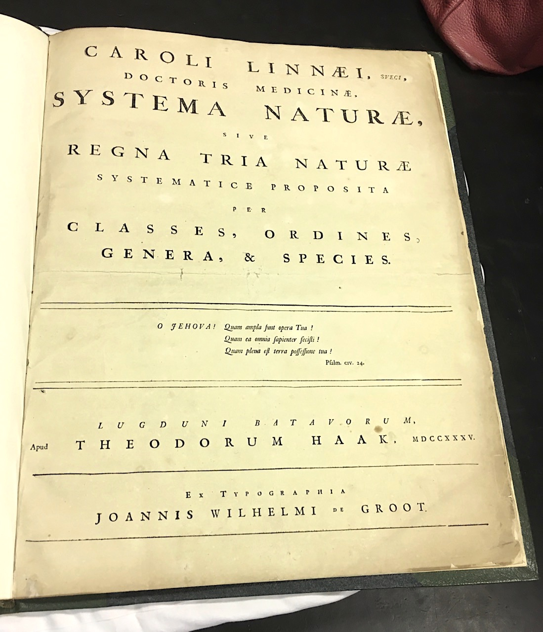 Systema Naturae 1735 - title page (© KS / Rolling Harbour)