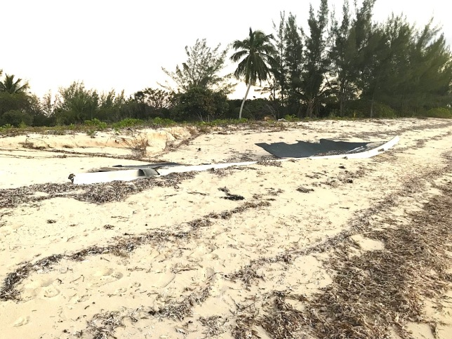 Falcon 9 SpaceX Rocket Debris Sandy Point Abaco Bahamas (Charlotte Dunn / BMMRO)