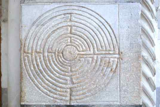 Labyrinth (Maze), Porch Lucca Cathedral (Keith Salvesen)